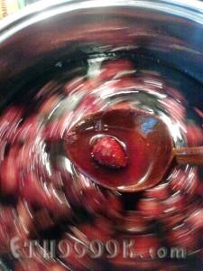 полуниця в густому сиропі