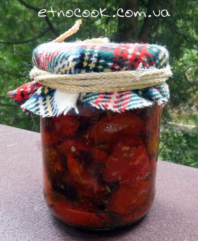сушені помідори в олії