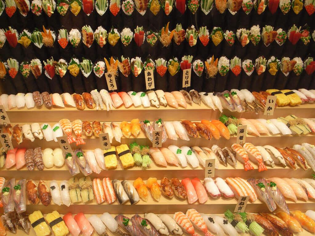 великий вибір суші