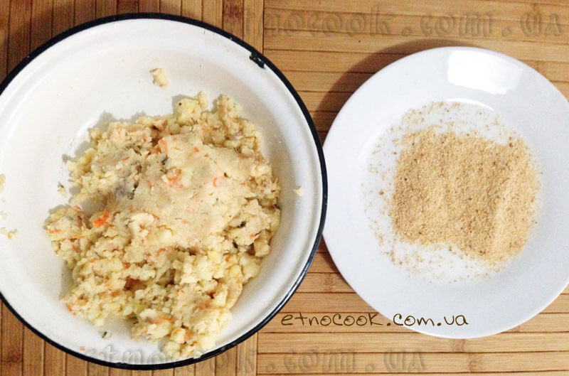 варена-картопля-перемнута-товчені-сухарі-етнокук