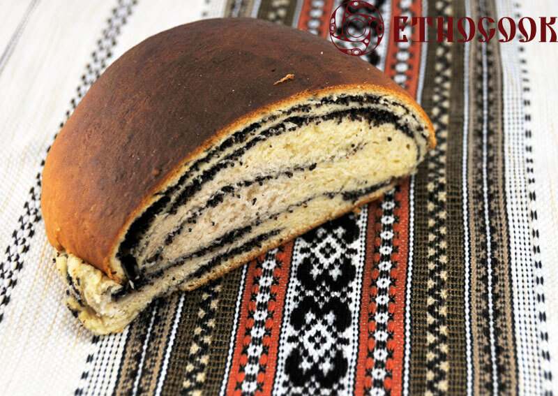 8-ready-baked-sweet-roll-poppy-seeds-etnocook