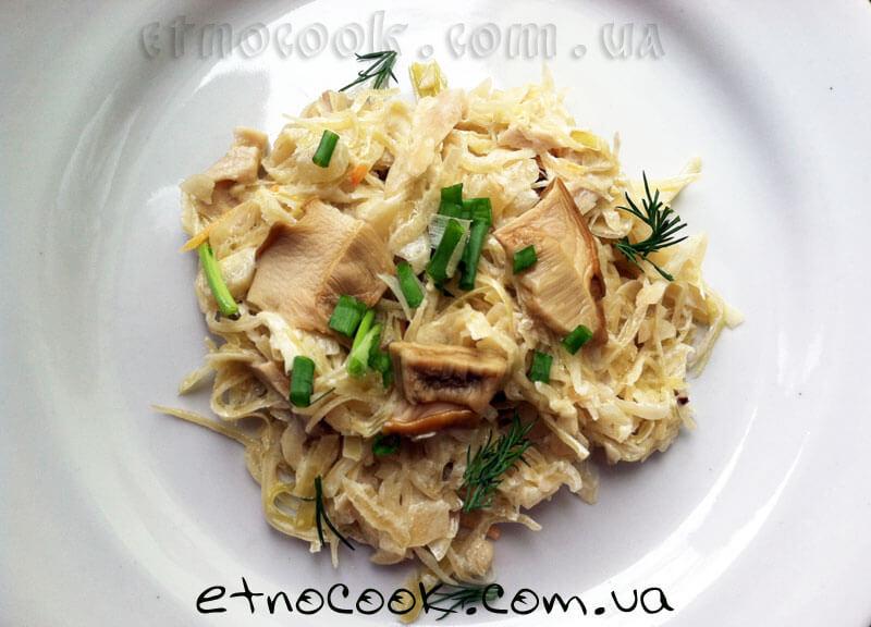 гот-тушкована-капуста-з-білими-грибами-etnocook.com.ua