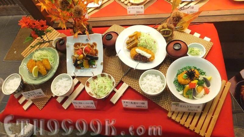 японські семпуру фейкові страви вітрини мандрівки японією