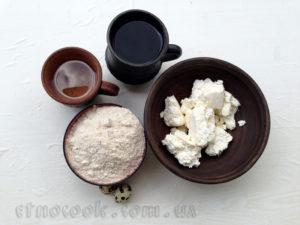 Сир, цільнозернове борошно, перепелині яйця - все необхідне для української страви галушки або кльоцки рецепт від Етнокук
